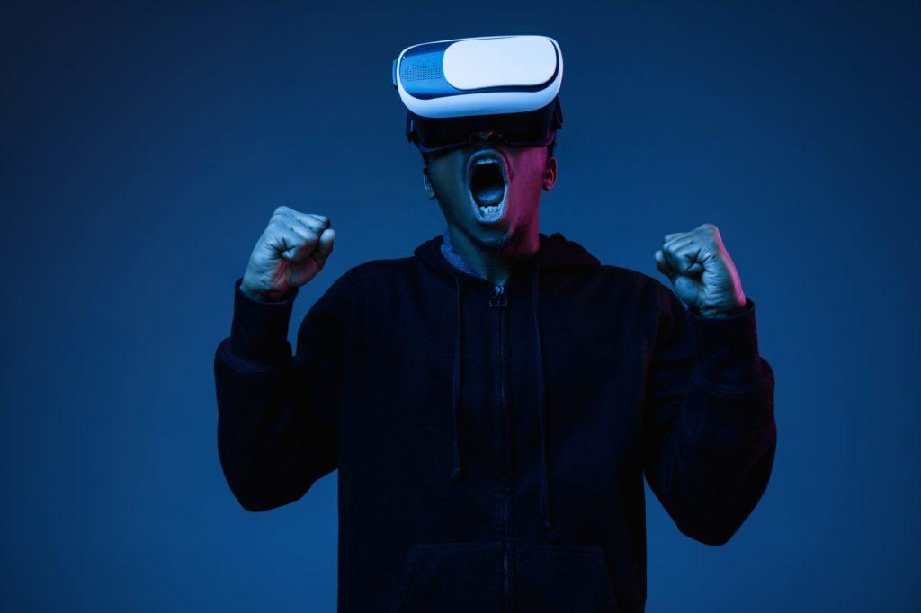 Google hat eine Bildungsinitiative in Sachen Digitales in Deutschland lauf. PTC steuert nun kostenlose AR-/VR-Online-Grundkurse bei.